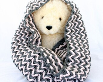 Crochet chevron cowl gray grey pink soft acrylic wool round circle scarf wide ripple zigzag winter wear neckwear textured accessory warm