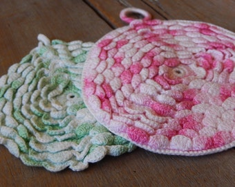Vintage Potholder Crochet Textured Flower Pair Farmhouse Cottage Chic Handmade Kitchen Home Decor