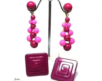 50s 2 Pairs Purple & Pink Plastic Earrings in Square and Beaded Dangle Drop Clip Earring Motif - Vintage 50's Lucite Costume Jewelry