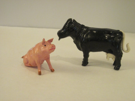 Small Toy Cows : Vintage miniature toy cow and pig
