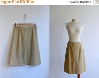 40% OFF SALE // Vintage 1970s skirt. 70s beige cotton skirt