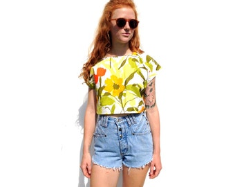 Retro floral print cap sleeve crop top UPCYCLED