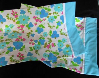 Retro 70s Pillowcase Pair Floral Print Made from Vintage Fabric Set Hand Made Turquoise