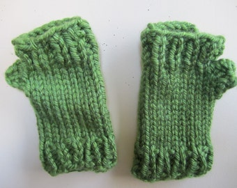 Fingerless Gloves Chunky Mitts Green Hand Knit Gauntlets Short - Size Medium Large