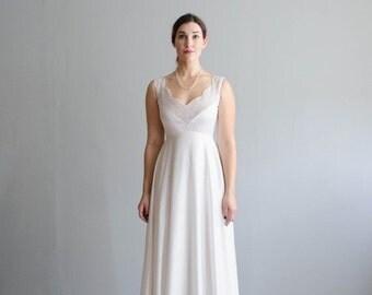 35% OFF - Vintage 1970s Wedding Gown - 70s Minimalist Wedding Dress - Purity Wedding Dress