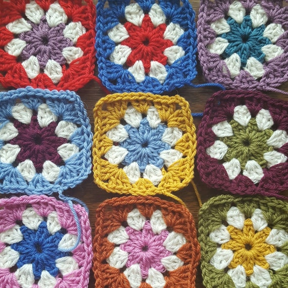 Daisy Granny Squares - Pure Wool 10, 25, 50, 100 Make your own Blanket, Scarf, Cushion, Bag DIY