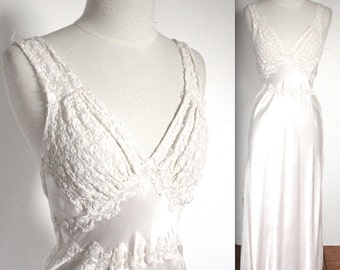 Vintage 1930's Nightgown // 30s 40s White Bias Cut Satin Rayon Lingerie Gown with Embroidered Lace // DIVINE
