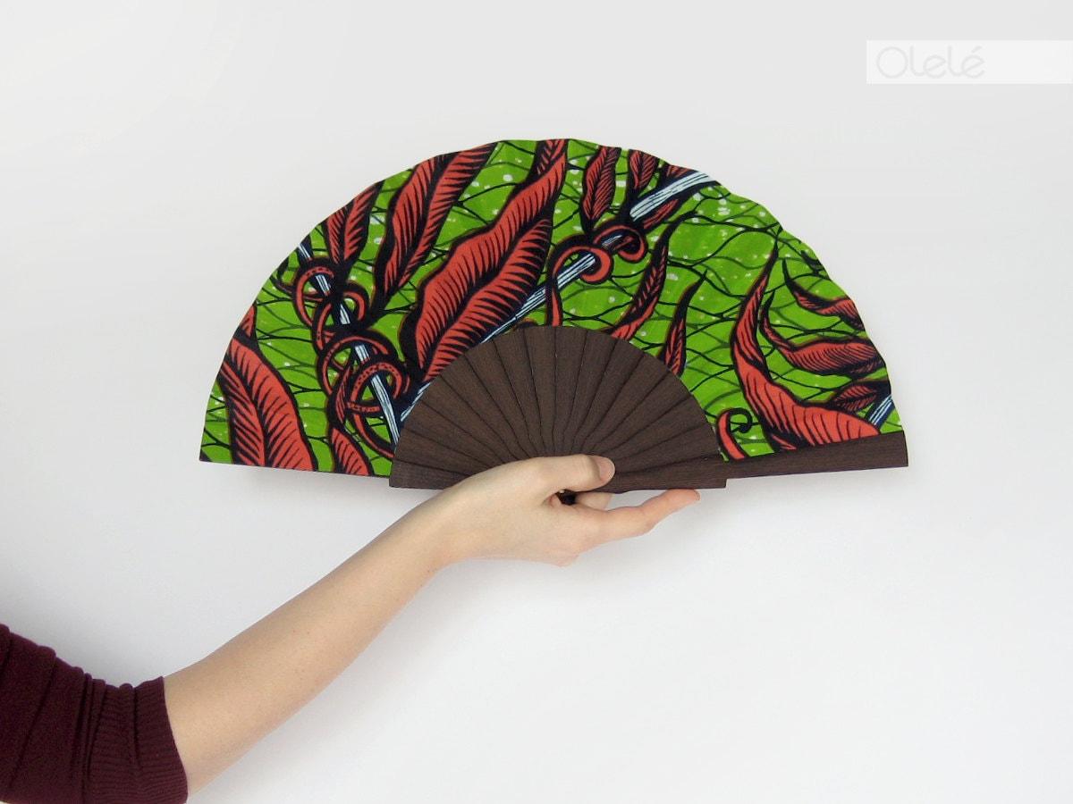wooden hand held fan with case vegetal print modern ethnic. Black Bedroom Furniture Sets. Home Design Ideas