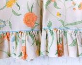 Vintage Pillowcase Set / Ruffled Peach Floral / Vintage Bedding