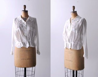 1910's white blouse. cotton. Edwardian linen blouse. collared. embroidered. Antique sheer blouse. L.