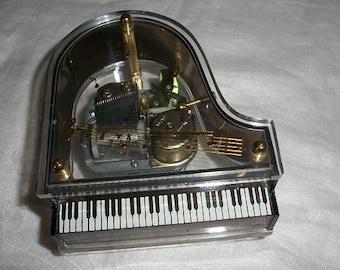 Vintage Beautiful Piano Music Box Carpenters We've Only Just Begun Sankyo