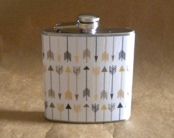 Arrows, Arrows, Arrows White with Black and Gold Arrows Print 6 ounce Stainless Steel Gift Flask KR2D 77835