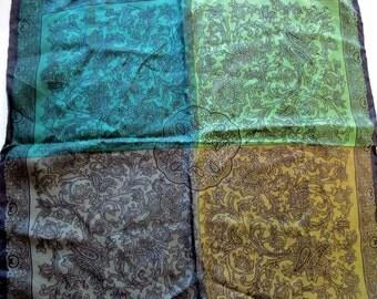 Elegant Green Gold Pocket Silk