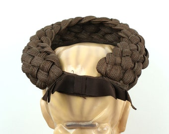 amazing 1940s open crown hat • soft braided straw with ribbon