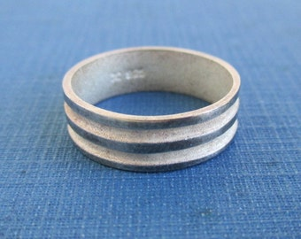 925 Sterling Silver & Textured Ring / Band - Vintage, Size 9
