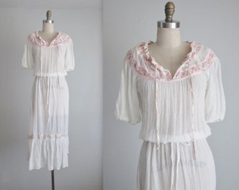 70's Gauze Dress // Vintage 1970's Bohemian White Gauzy Cotton Floral Summer Festival Dress S M
