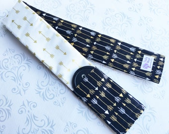 Reversible Camera Strap Cover with Lens Cap Pocket - Photographer Gift, DSLR Strap Cover - Cream, Black and Gold Arrows