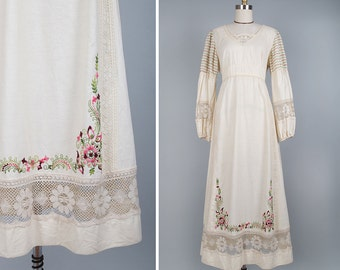 Boho Wedding Dress M • Floral Embroidery Peasant Dress • 70s Dress • Boho Maxi Dress • Embroidered Dress • Cream Maxi Dress | D425