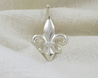 Hand Crafted Solid Sterling Silver Fleur de Lis Necklace Pendant
