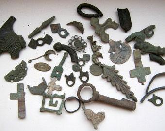 Set of some vintage dig find jewelry