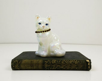 Vintage Fenton glass cat - Iridescent white figurine - Red collar