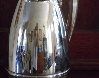 Vintage Mid Century Chrome and Lucite Insulated Hot/Cold Thermos Pitcher Carafe USA