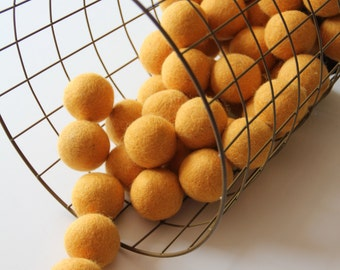 Felt Balls- Goldenrod Yellow- 10 Pk- 40mm