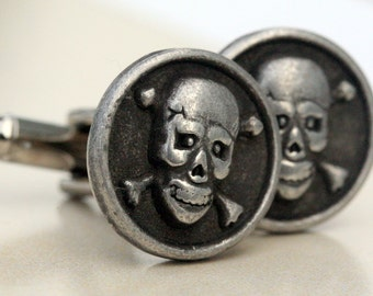 Skull Cufflinks Steampunk Cufflinks Skull and Crossbone Cuff link Mens Cufflinks Biker Rocker Gothic Mens Gift Silver skull mens Accessorie