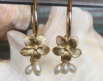 Daisy Flower and Pearl Hoop Earrings - Flower Earrings - Hoop Earrings - Gold Hoop Earrings