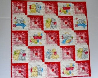 Baby Quilt, Baby Blanket, Log Cabin Quilt, Gender Neutral, Vintage Style, Red, Puppies and Kitties