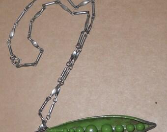 Vintage Necklace - Peapod Pendant