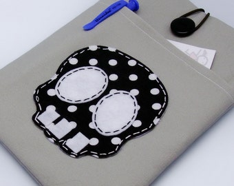 READY to ship - BIG Sale - Kindle case, Kindle touch cover padded - Skull
