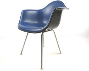 Herman Miller Eames black fiberglass and blue arm chair, nice!