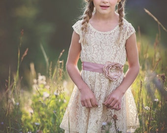 Flower Girl Dress - Lace Flower girl dress - flower girl dresses- baby lace dress - Country Flower Girl dress- Lace Rustic flower Girl dress