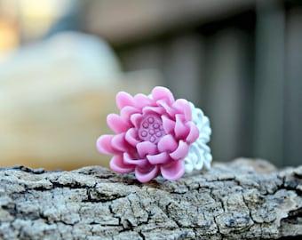 X-grande Lilac Waterlily Filigree Ring