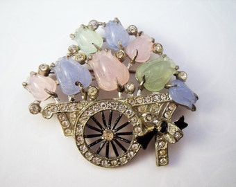 Vintage Coro tulip cart brooch with molded tulips