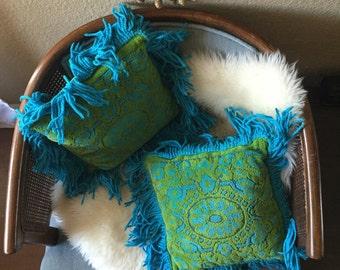 vintage retro shag throw pillow / blue green / 1 pillow