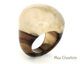 RI01021007) Milky Agate Dome Ring