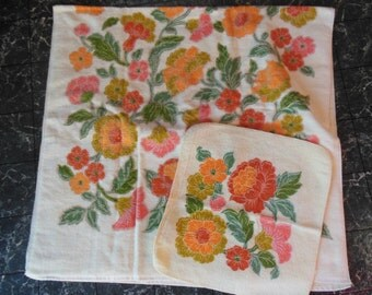 Vintage Orange Floral Print On Yellow Bath Towel & Washcloth By Utica, J P Stevens