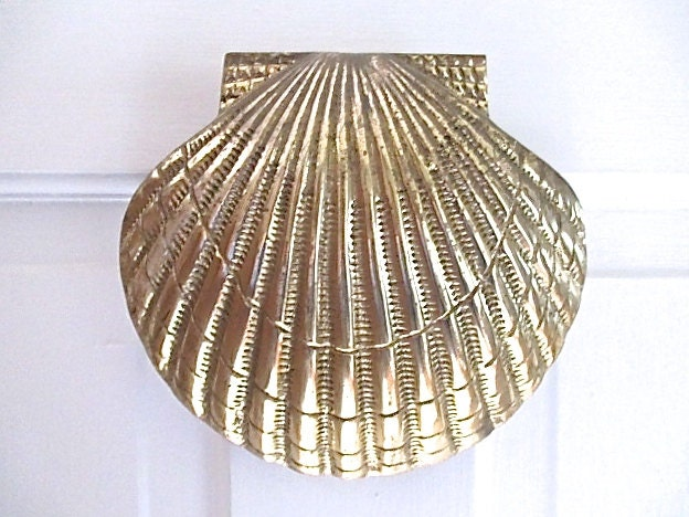 Large Nautical Vintage Brass Scallop Shell Door Knocker