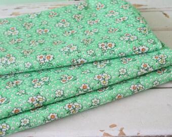 Vintage FLORAL FABRIC....vintage supplies. retro supply. retro. sewing. crafts. floral. mod. retro. vintage fabric. green. garden. atomic
