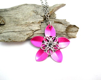 Scalemaille Pink Flower Pendant Necklace