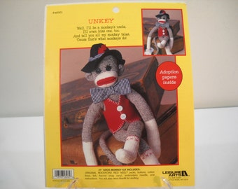 "Leisure Arts 21"" Sock Monkey Kit Unkey"