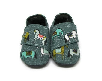 Crib Shoes, Baby Shoes, Soft Sole Baby Shoes, Unisex Baby Shoes, Baby Booties, Infant Slippers, Fabric Baby Shoes, Horse Baby Shoes, 6-12M