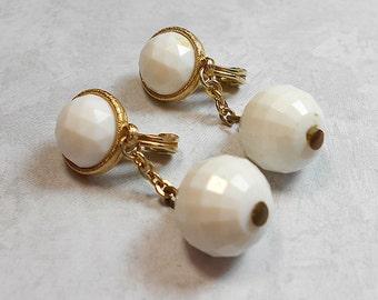 White Vintage Earrings Gold Tone Drop Dangle Clip On Monet Womens Retro Mod
