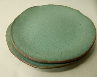 """Turquoise stoneware pottery salad / lunch plate about 7 3/4"""" across"""