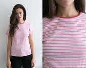 Womens 90s Red Striped Shirt / 90s Grunge / 90s shirt / Thin striped Grunge tee / vintage red white striped top / womens Small Medium fitted