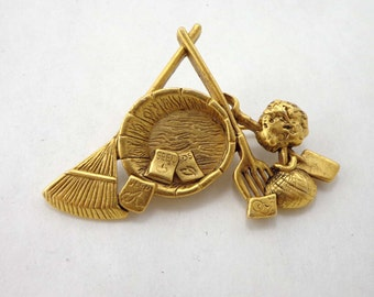 Garden Brooch Pin Signed Danecraft Gold Tone Rake Flowers Vintage 773