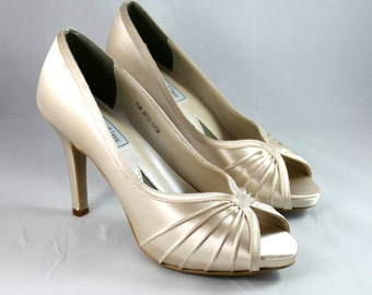 Champagne Wedding Shoes--Wedding shoes Size 7.5