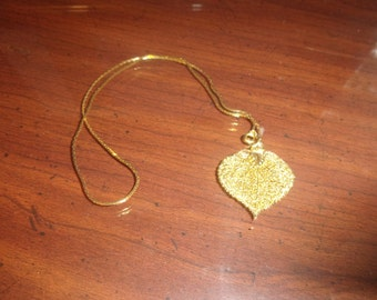 vintage necklace goldtone chain filigree leaf